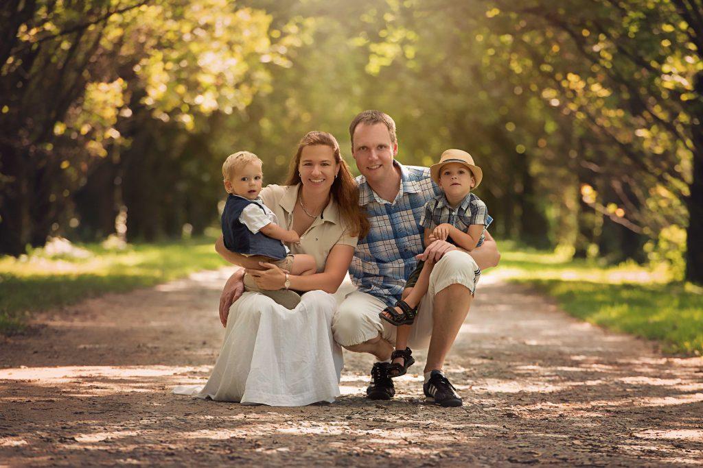 Familienbild einer vierköpfigen Familie